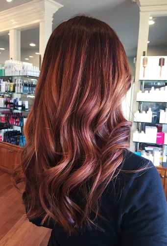 Rose Gold Is A Tough Color To Define It S Beautiful Blend Of Pink And Red If You Think That Can T Have Hair Because Re Brunette